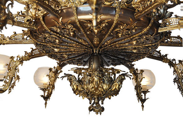 Neo rococo early victorian gas chandelier neo recoco victorian finishes available polished brass satin brass hilo antique brass oil rubbed bronze finish the photos show the hi lo antique brass finish aloadofball Image collections